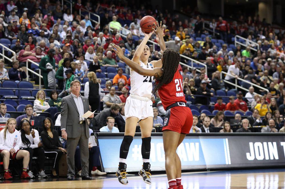 Iowa Hawkeyes forward Hannah Stewart (21) against the NC State Wolfpack in the regional semi-final of the 2019 NCAA Women's College Basketball Tournament Saturday, March 30, 2019 at Greensboro Coliseum in Greensboro, NC.(Brian Ray/hawkeyesports.com)