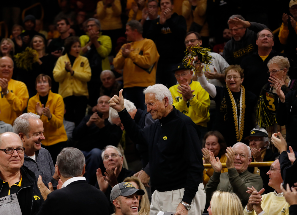 Former Iowa Hawkeyes head coach Lute Olson