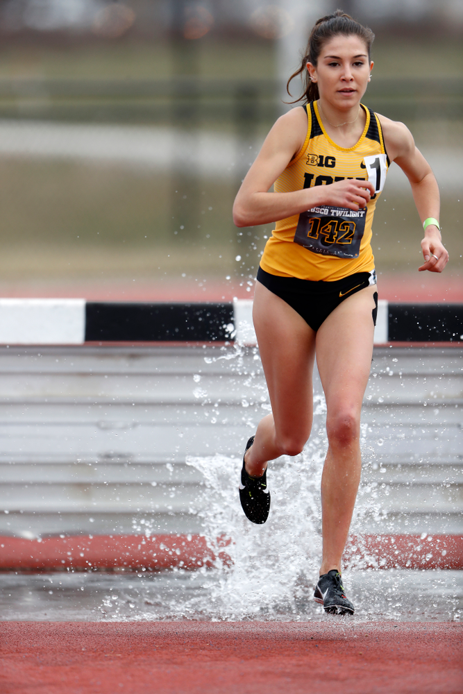 Iowa's Marta Bote Gonzalez runs the 3000 meter steeplechase during the 2018 MUSCO Twilight Invitational  Thursday, April 12, 2018 at the Cre
