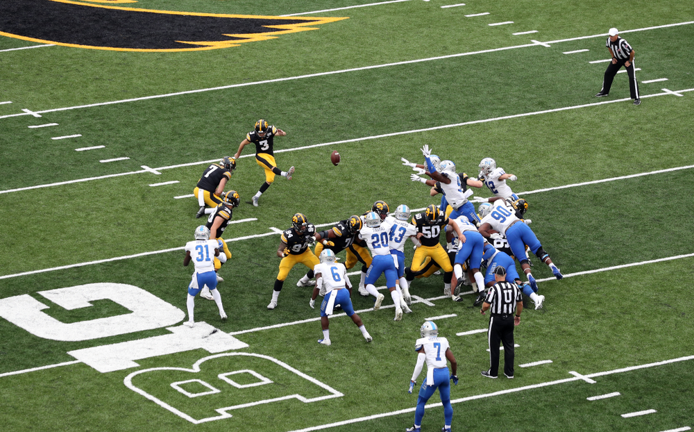 Iowa Hawkeyes place kicker Keith Duncan (3) kicks a field goal against Middle Tennessee State Saturday, September 28, 2019 at Kinnick Stadium. (Brian Ray/hawkeyesports.com)