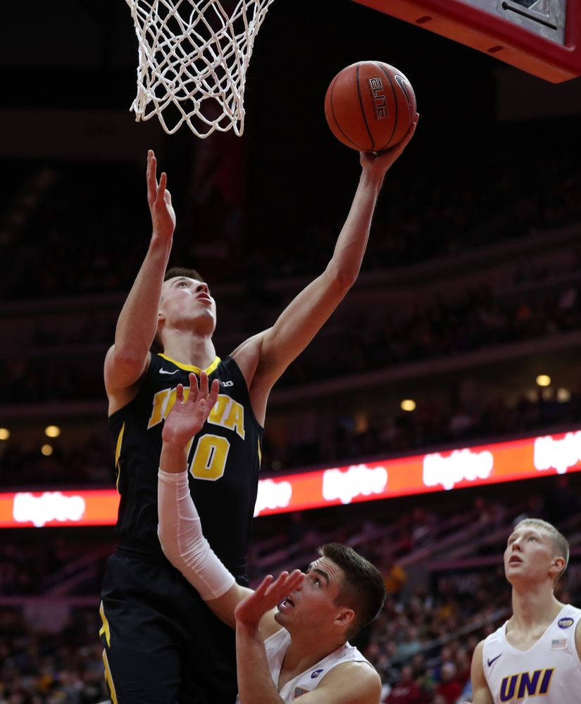 Iowa Hawkeyes guard Joe Wieskamp (10) against the Northern Iowa Panthers in the Hy-Vee Classic Saturday, December 15, 2018 at Wells Fargo Arena in Des Moines. (Brian Ray/hawkeyesports.com)