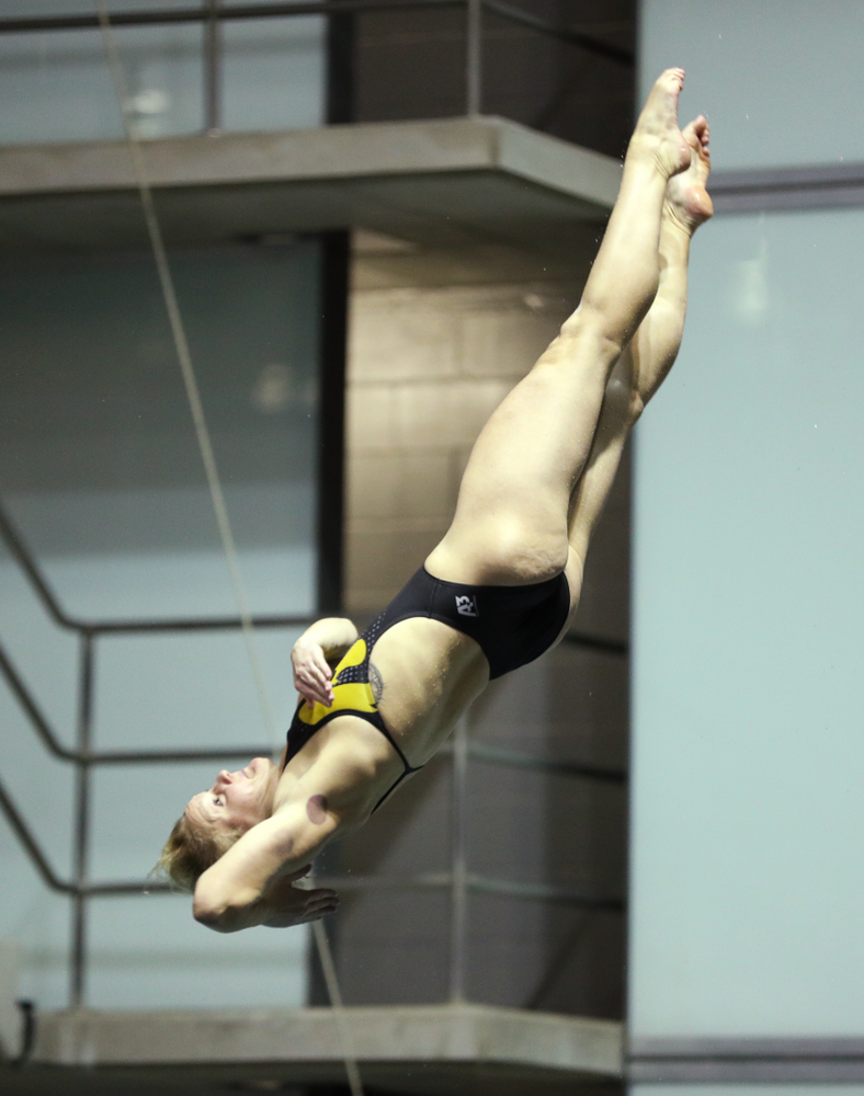 Iowa's Thelma Strandberg competes on the 1-meter springboard against the Iowa State Cyclones in the Iowa Corn Cy-Hawk Series Friday, December 7, 2018 at at the Campus Recreation and Wellness Center. (Brian Ray/hawkeyesports.com)
