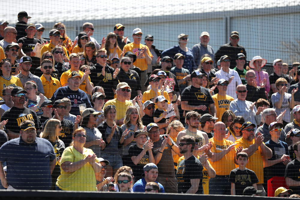 Fans cheer on the Iowa Hawkeyes against the Nebraska Cornhuskers Saturday, April 20, 2019 at Duane Banks Field. (Brian Ray/hawkeyesports.com)