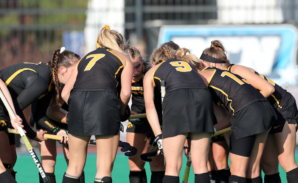 The Iowa Hawkeyes gather for a penalty corner against Penn State in the 2019 Big Ten Field Hockey Tournament Championship Game Sunday, November 10, 2019 in State College. (Brian Ray/hawkeyesports.com)