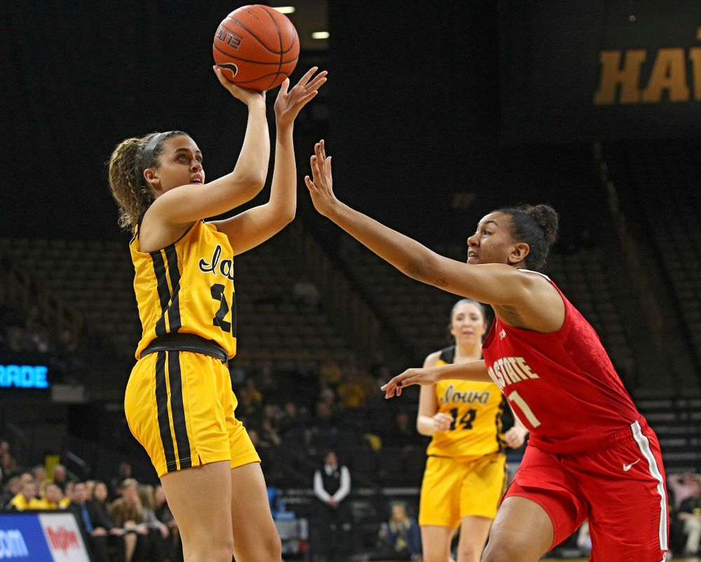 Iowa Hawkeyes guard Gabbie Marshall (24) makes a basket during the second quarter of their game at Carver-Hawkeye Arena in Iowa City on Thursday, January 23, 2020. (Stephen Mally/hawkeyesports.com)