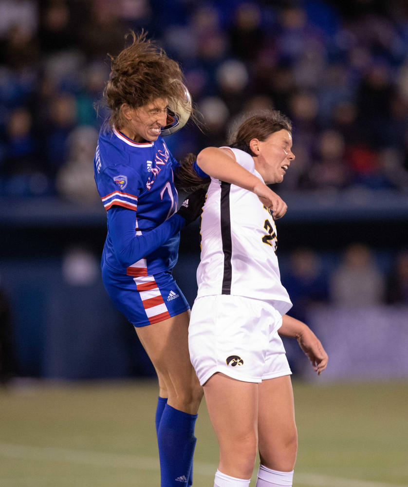 Samantha Tawharu NCAA Tournament Iowa at Kansas Nov. 16, 2019