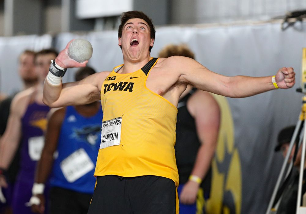 Iowa's Jordan Johnson throws in the men's shot put event at the Black and Gold Invite at the Recreation Building in Iowa City on Saturday, February 1, 2020. (Stephen Mally/hawkeyesports.com)