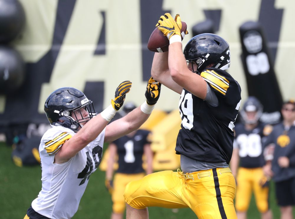 TE Nate Wieting hauls in a pass