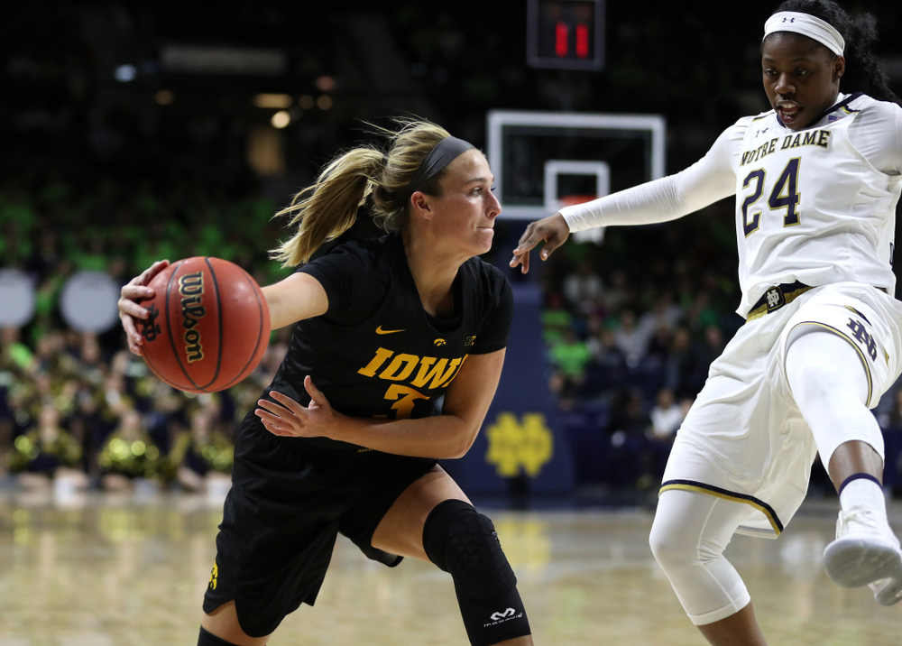Iowa Hawkeyes guard Makenzie Meyer (3) against the Notre Dame Fighting Irish Thursday, November 29, 2018 at the Joyce Center in South Bend, Ind. (Brian Ray/hawkeyesports.com)