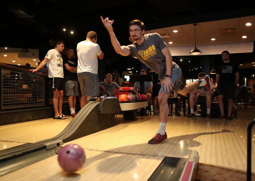Iowa Hawkeyes place kicker Miguel Recinos (91) during the Players' Night at Splitsville Friday, December 28, 2018 in the Sparkman Wharf area of Tampa, FL.(Brian Ray/hawkeyesports.com)