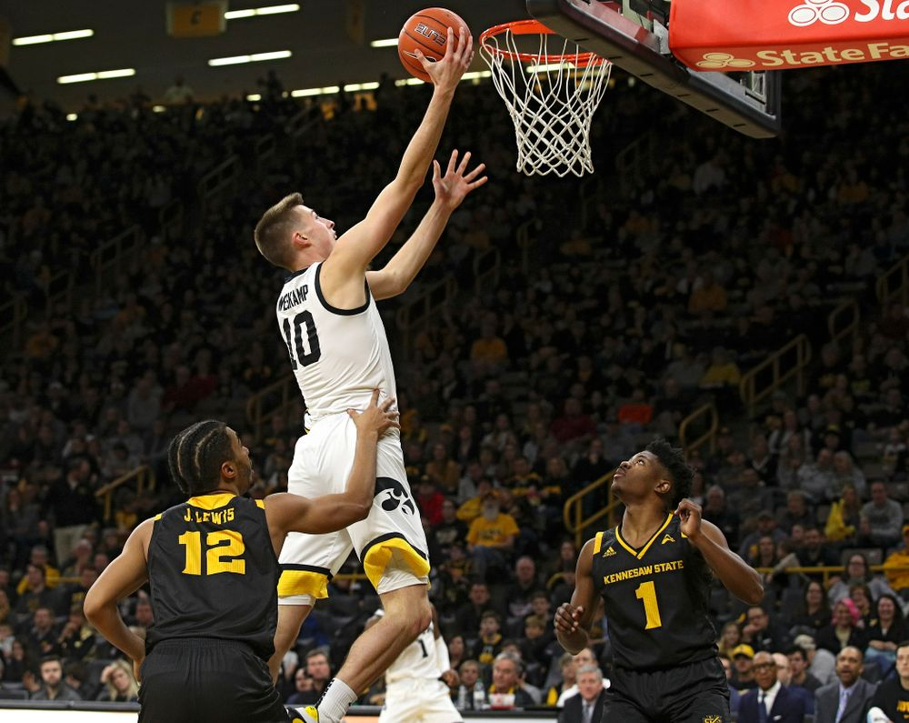 Iowa Hawkeyes guard Joe Wieskamp (10) scores during the second half of their their game at Carver-Hawkeye Arena in Iowa City on Sunday, December 29, 2019. (Stephen Mally/hawkeyesports.com)
