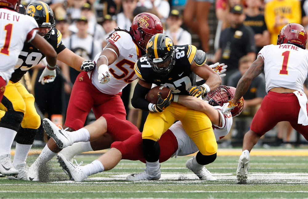 Iowa Hawkeyes tight end Noah Fant (87) against the Iowa State Cyclones Saturday, September 8, 2018 at Kinnick Stadium. (Brian Ray/hawkeyesports.com)