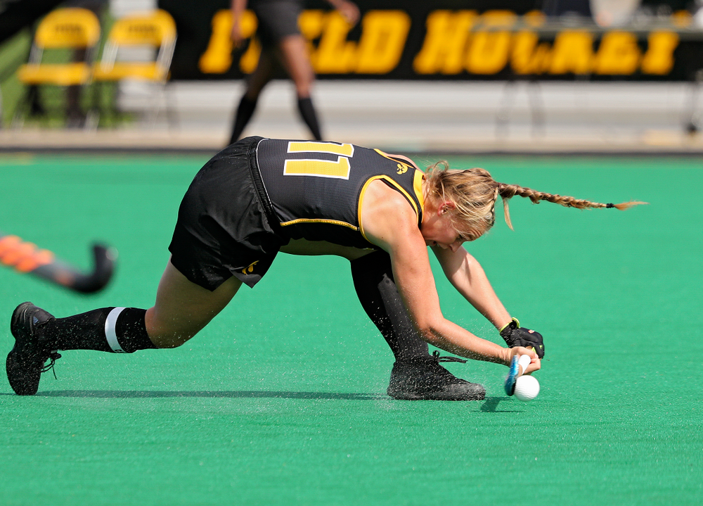 Iowa's Katie Birch (11) passes during the first quarter of their match at Grant Field in Iowa City on Friday, Oct 4, 2019. (Stephen Mally/hawkeyesports.com)