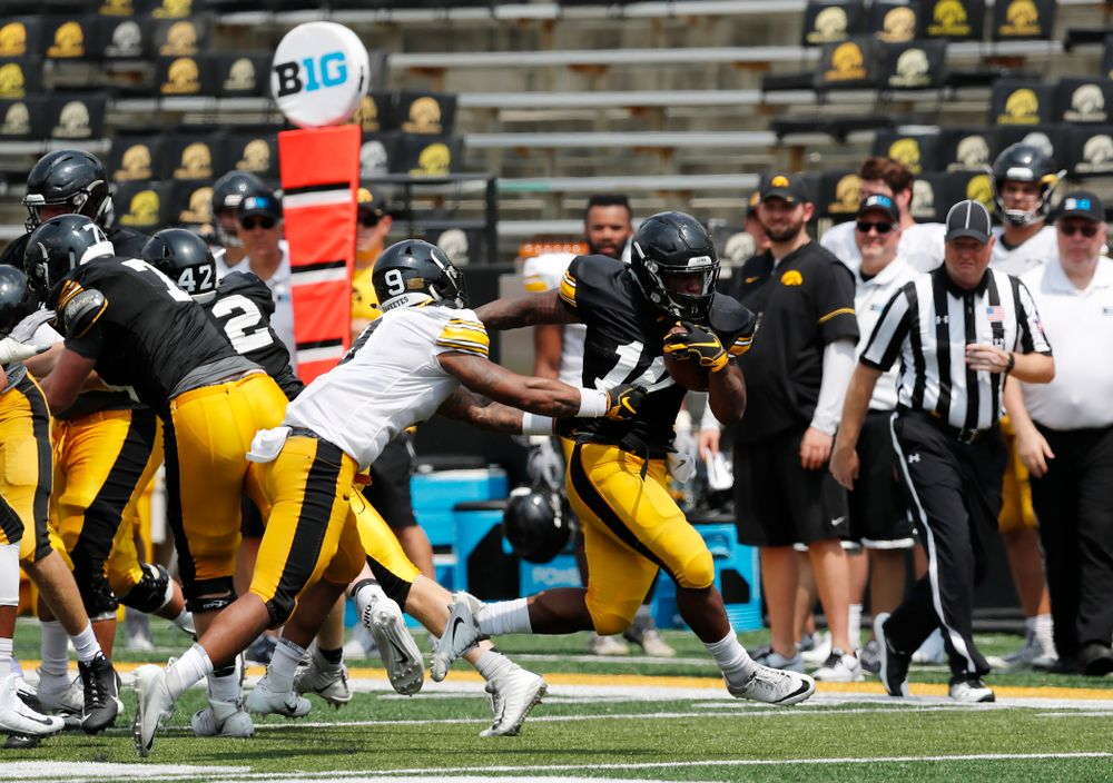 Iowa Hawkeyes running back Mekhi Sargent (10) during Kids Day Saturday, August 11, 2018 at Kinnick Stadium. (Brian Ray/hawkeyesports.com)