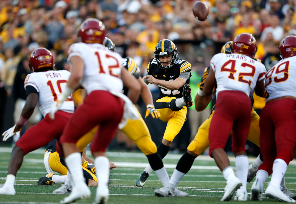 Iowa Hawkeyes place kicker Miguel Recinos (91) against the Iowa State Cyclones Saturday, September 8, 2018 at Kinnick Stadium. (Brian Ray/hawkeyesports.com)