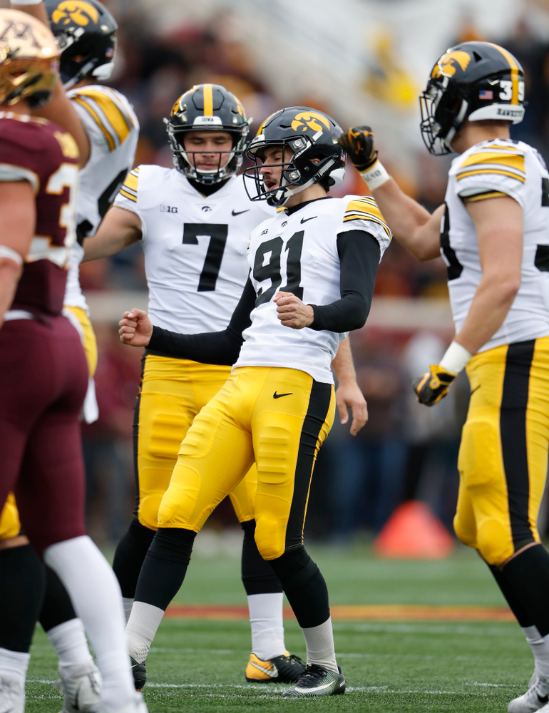 Iowa Hawkeyes place kicker Miguel Recinos (91) reacts after making a field goal against the Minnesota Golden Gophers Saturday, October 6, 2018 at TCF Bank Stadium. (Brian Ray/hawkeyesports.com)