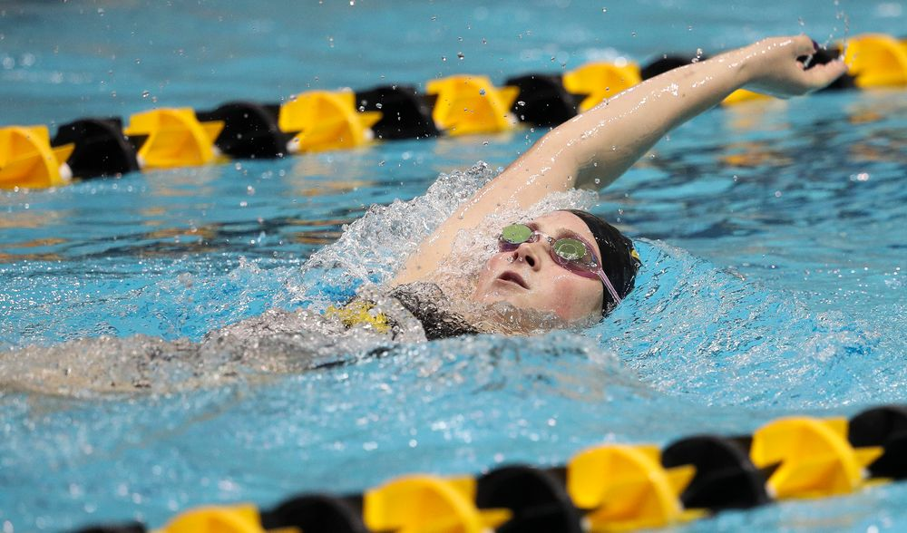 Iowa's Abbey Schneider competes in the 400-yard individual medley during a meet against Michigan and Denver at the Campus Recreation and Wellness Center on November 3, 2018. (Tork Mason/hawkeyesports.com)