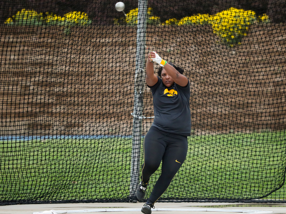 Iowa's Nia Britt throws during the women's hammer event during the third day of the Drake Relays at Drake Stadium in Des Moines on Saturday, Apr. 27, 2019. (Stephen Mally/hawkeyesports.com)