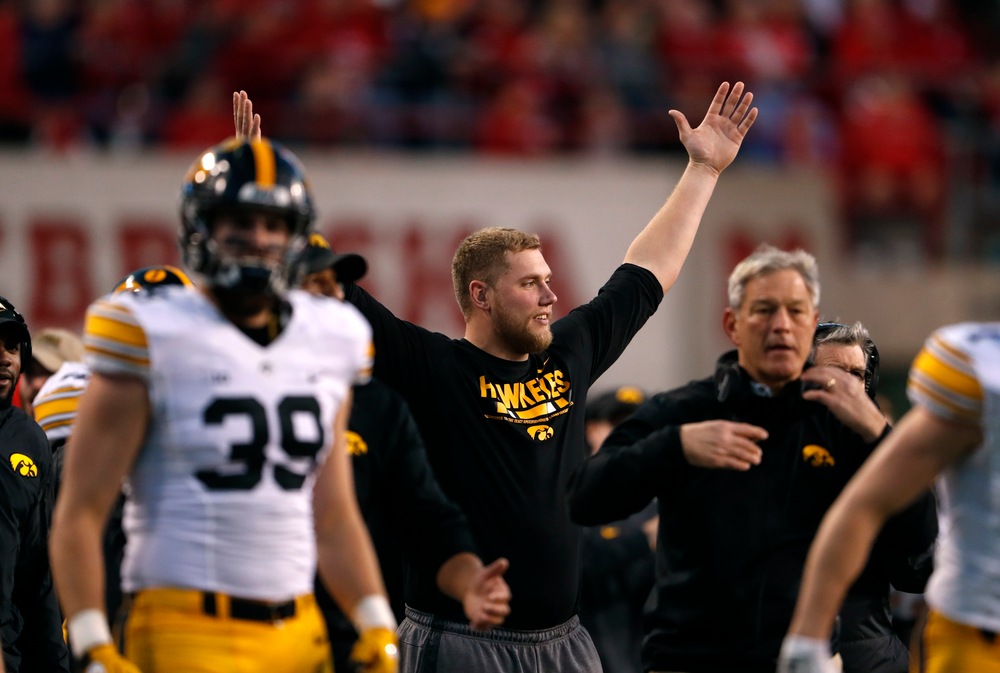 Iowa Hawkeyes offensive lineman Boone Myers (52)