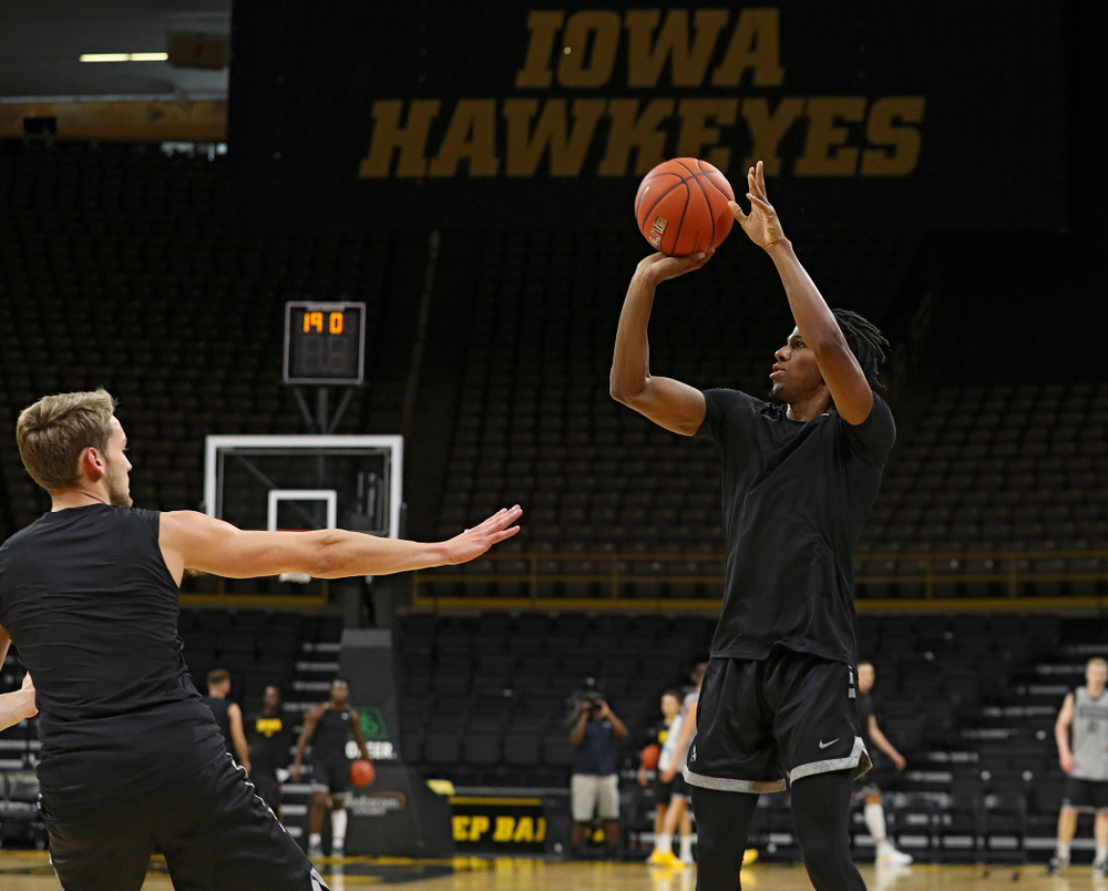 Iowa Hawkeyes guard Bakari Evelyn (4) shoots during practice at Carver-Hawkeye Arena in Iowa City on Wednesday, Oct 9, 2019. (Stephen Mally/hawkeyesports.com)