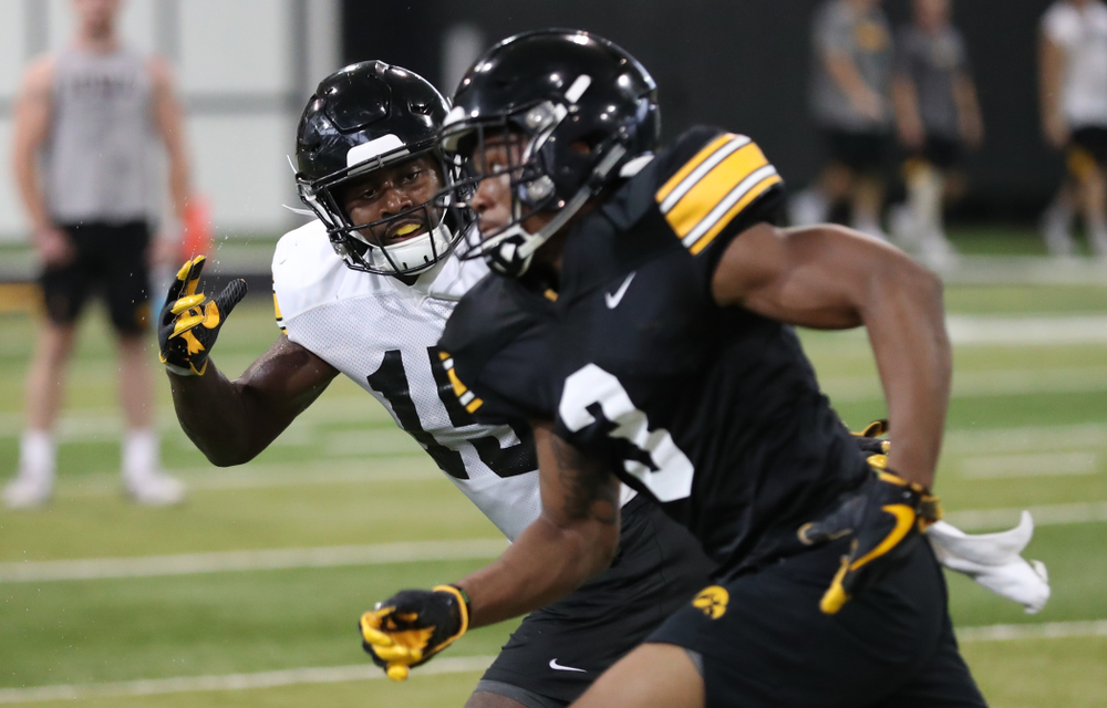 Iowa Hawkeyes defensive back Dallas Craddieth (15)