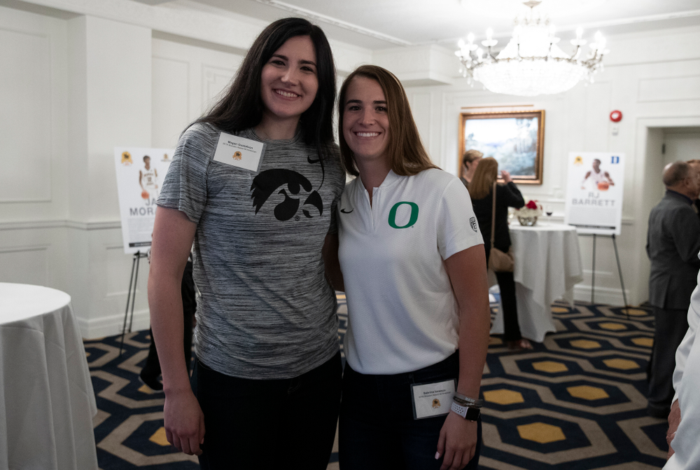 Iowa Hawkeyes forward Megan Gustafson (10) and OregonÕs Sabrina Ionescu during the Wooden Award DukeÕs Dinner Thursday, April 11, 2019 at the LA Athletic Club. (Brian Ray/hawkeyesports.com)