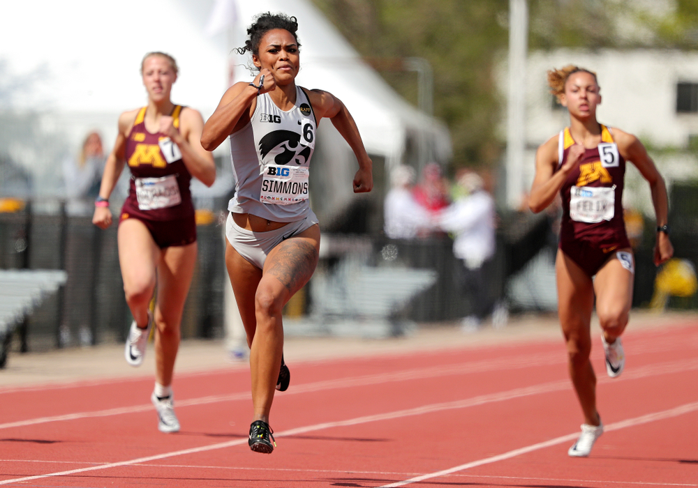 Iowa's Tria Simmons run during the women's 200 meter dash in the heptathlon event on the first day of the Big Ten Outdoor Track and Field Championships at Francis X. Cretzmeyer Track in Iowa City on Friday, May. 10, 2019. (Stephen Mally/hawkeyesports.com)