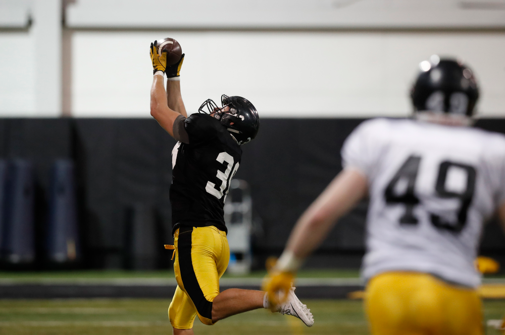 Iowa Hawkeyes tight end T.J. Hockenson (38) during spring practice No. 13 Wednesday, April 18, 2018 at the Hansen Football Performance Center. (Brian Ray/hawkeyesports.com)