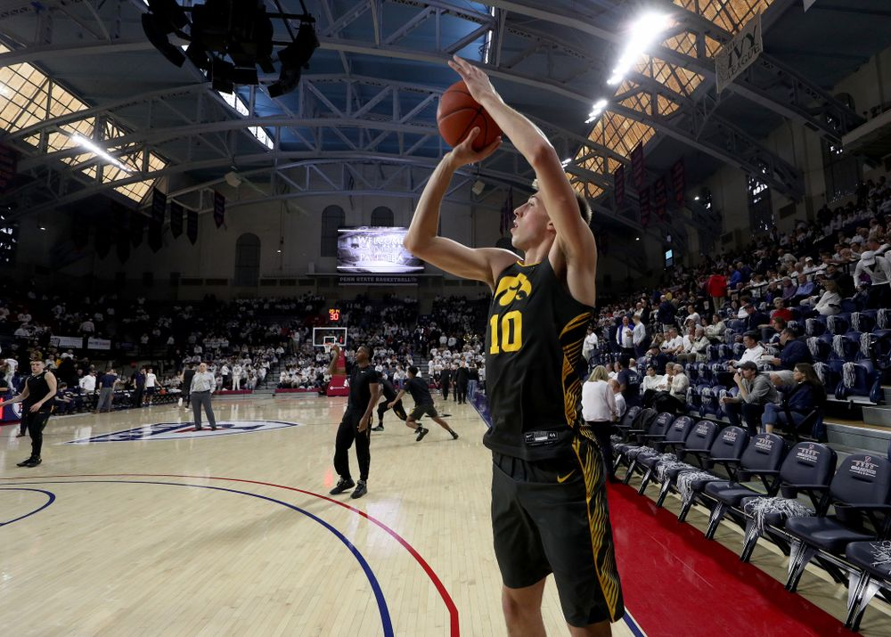Iowa Hawkeyes guard Joe Wieskamp (10) warms up for their game against Penn State Saturday, January 4, 2020 at the Palestra in Philadelphia. (Brian Ray/hawkeyesports.com)