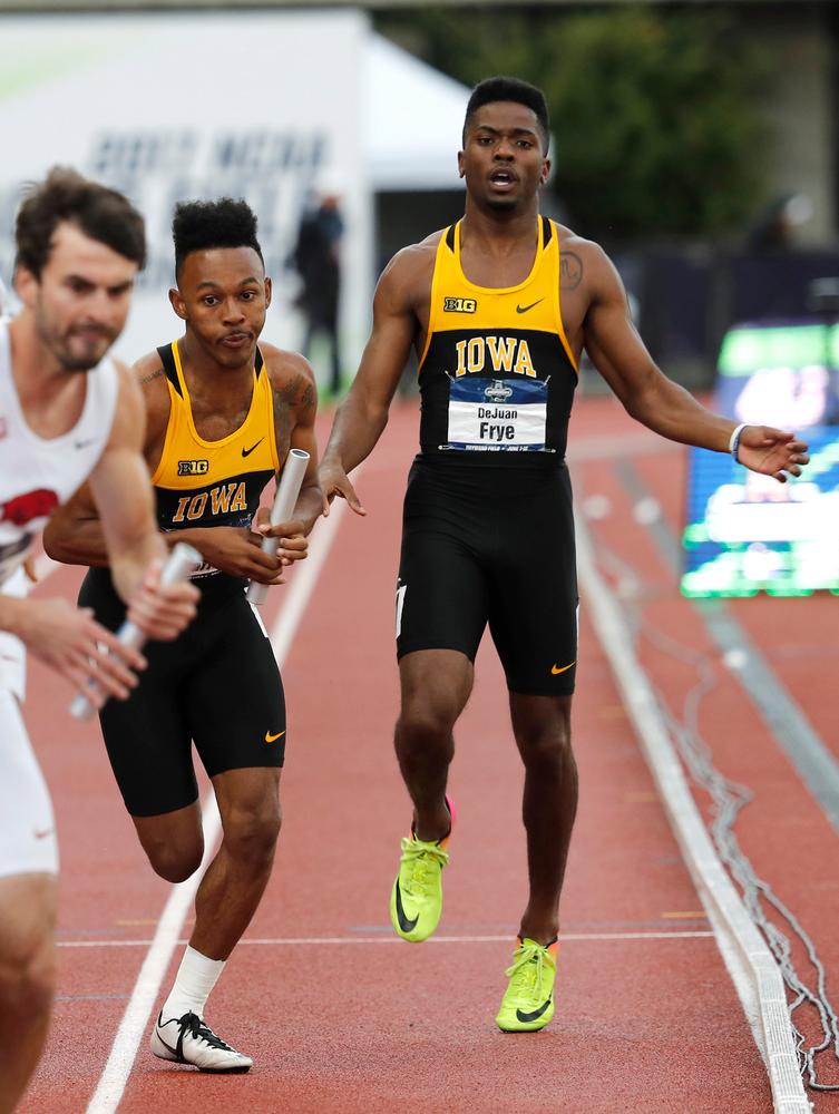 Mar'yea Harris, DeJuan Frye -- 4x400 relay