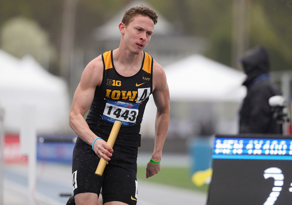 Iowa's Chris Thompson runs the men's 1600 meter relay event during the third day of the Drake Relays at Drake Stadium in Des Moines on Saturday, Apr. 27, 2019. (Stephen Mally/hawkeyesports.com)