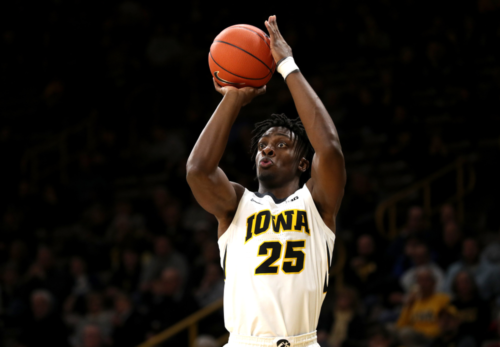 Iowa Hawkeyes forward Tyler Cook (25) against the UKMC Kangaroos in the 2K Empire Classic Thursday, November 8, 2018 at Carver-Hawkeye Arena. (Brian Ray/hawkeyesports.com)