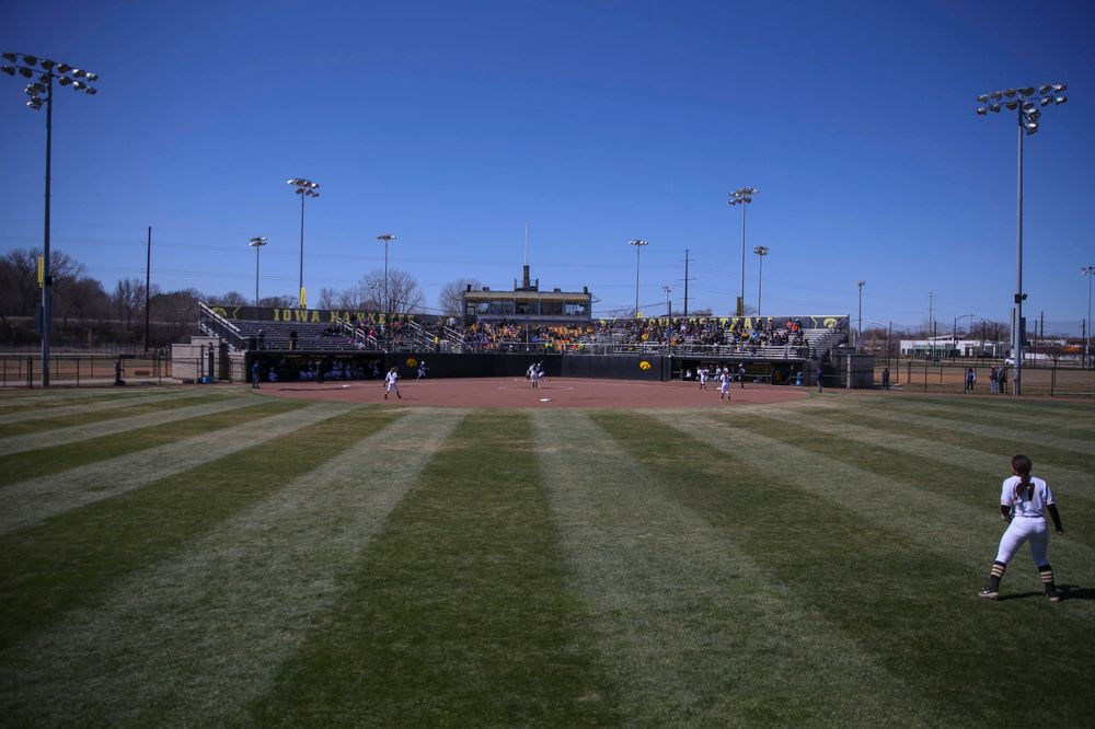 The Iowa softball team at game 3 vs Northwestern on Sunday, March 31, 2019 at Bob Pearl Field. (Lily Smith/hawkeyesports.com)