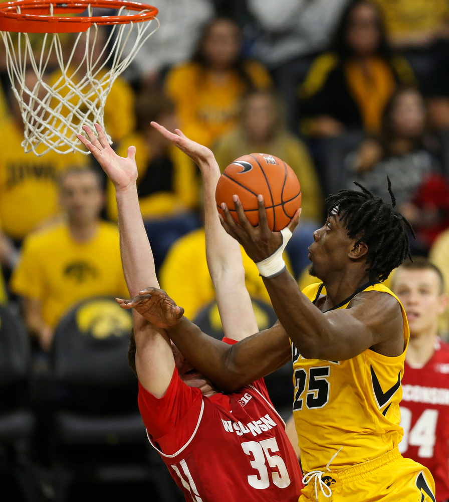 Iowa Hawkeyes forward Tyler Cook (25) goes up for a layup against Wisconsin on November 30, 2018 at Carver-Hawkeye Arena. (Tork Mason/hawkeyesports.com)