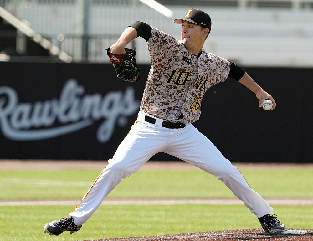 Iowa Hawkeyes pitcher Adam Ketelsen (26) delivers to the plate during the sixth inning of their game against UC Irvine at Duane Banks Field in Iowa City on Sunday, May. 5, 2019. (Stephen Mally/hawkeyesports.com)