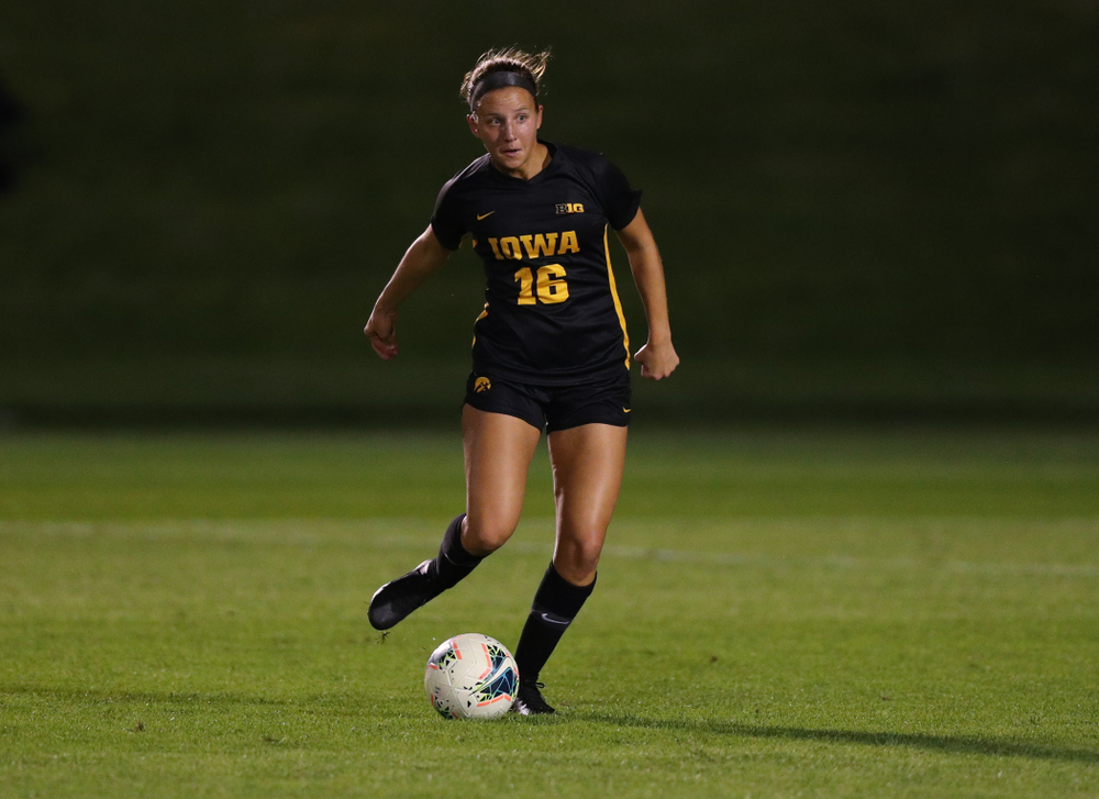 Iowa Hawkeyes midfielder Olivia Hellweg (16) during a 2-1 victory over the Iowa State Cyclones Thursday, August 29, 2019 in the Iowa Corn Cy-Hawk series at the Iowa Soccer Complex. (Brian Ray/hawkeyesports.com)