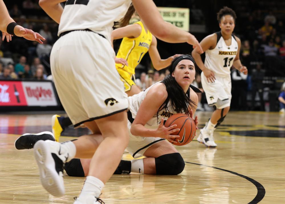 Iowa Hawkeyes forward Megan Gustafson (10) against the Michigan Wolverines Thursday, January 17, 2019 at Carver-Hawkeye Arena. (Brian Ray/hawkeyesports.com)
