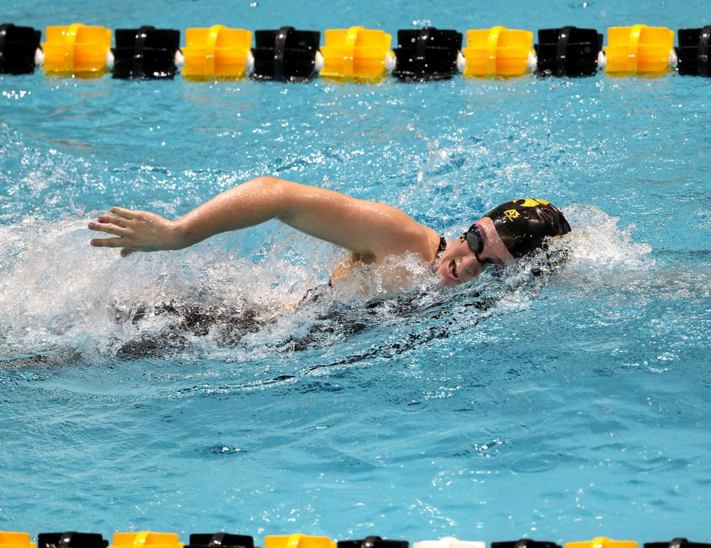 Iowa's Alleyna Thomas swims the 1000-yard freestyle against the Iowa State Cyclones in the Iowa Corn Cy-Hawk Series Friday, December 7, 2018 at at the Campus Recreation and Wellness Center. (Brian Ray/hawkeyesports.com)