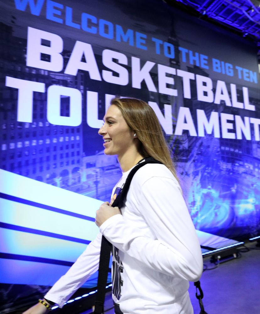 Iowa Hawkeyes guard Makenzie Meyer (3) arrives for their game against Ohio State in the quarterfinals of the Big Ten Basketball Tournament Friday, March 6, 2020 at Bankers Life Fieldhouse in Indianapolis. (Brian Ray/hawkeyesports.com)