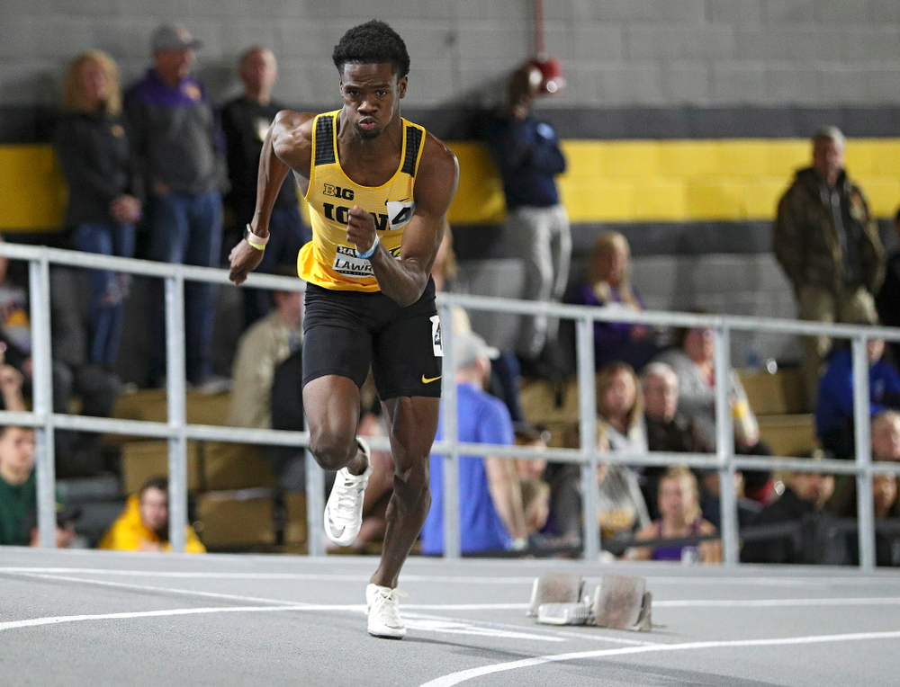 Iowa's Wayne Lawrence Jr. runs the men's 200 meter dash event during the Hawkeye Invitational at the Recreation Building in Iowa City on Saturday, January 11, 2020. (Stephen Mally/hawkeyesports.com)