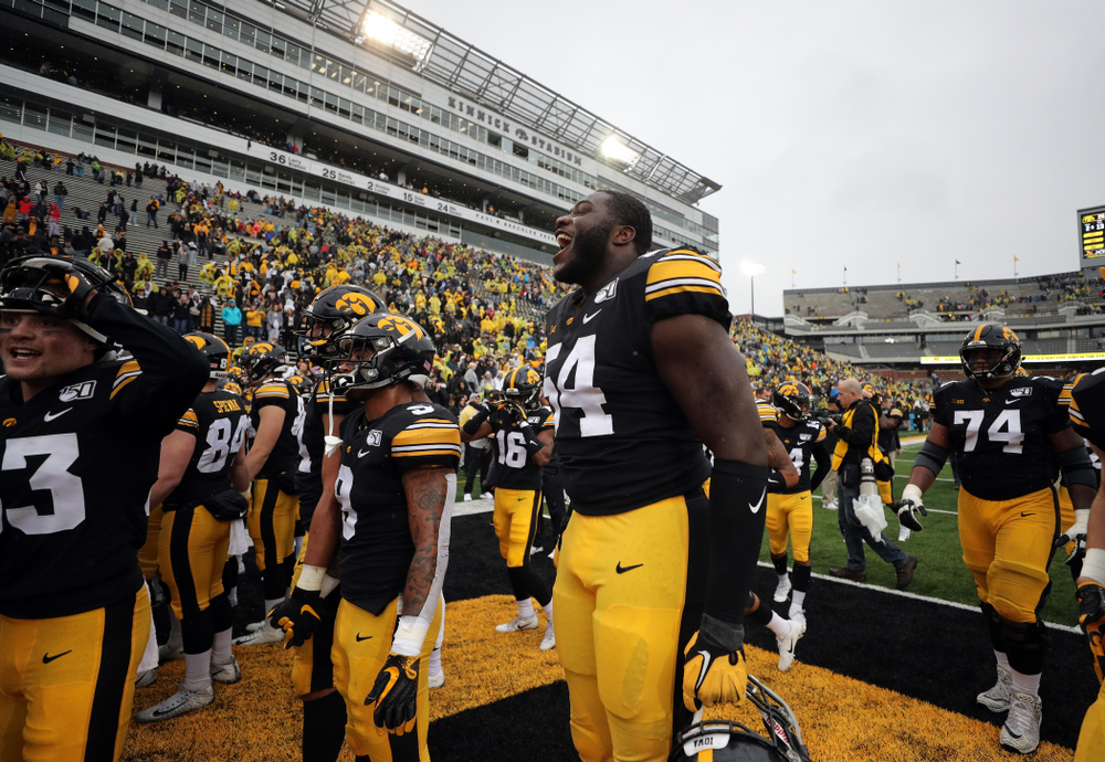 Iowa Hawkeyes defensive tackle Daviyon Nixon (54) against the Purdue Boilermakers Saturday, October 19, 2019 at Kinnick Stadium. (Brian Ray/hawkeyesports.com)