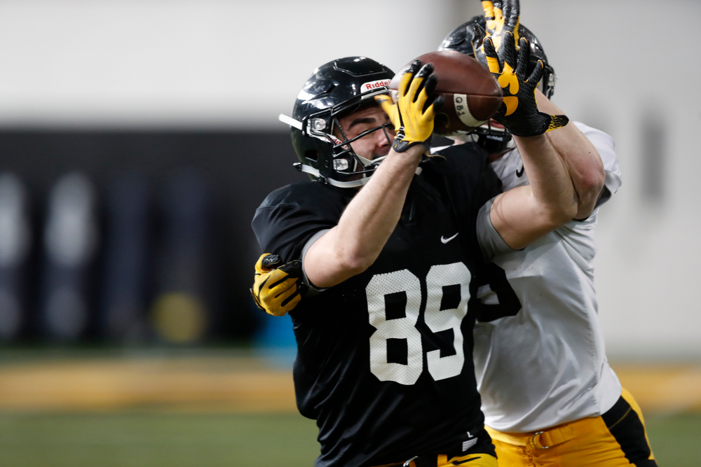 Iowa Hawkeyes wide receiver Nico Ragaini (89) Wednesday, April 4, 2018 at the Hansen Football Performance Center. (Brian Ray/hawkeyesports.com)