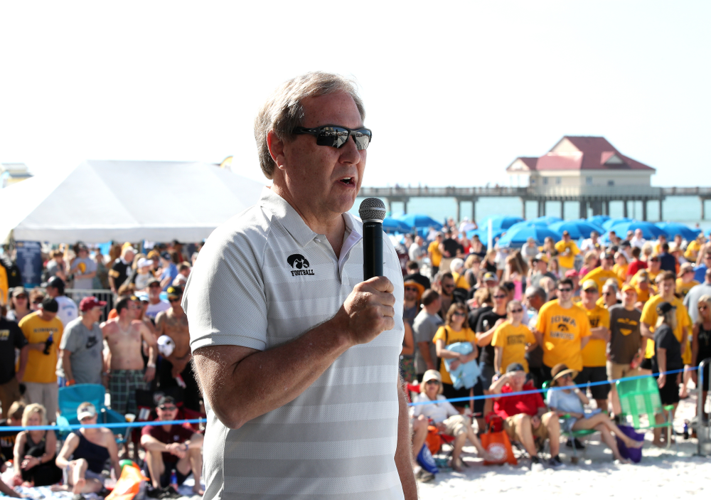 University of Iowa President Bruce Harreld during the Outback Bowl Beach Day Sunday, December 30, 2018 at Clearwater Beach. (Brian Ray/hawkeyesports.com)