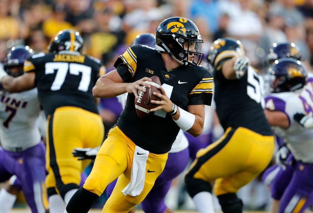 Iowa Hawkeyes quarterback Nate Stanley (4) against the Northern Iowa Panthers Saturday, September 15, 2018 at Kinnick Stadium. (Brian Ray/hawkeyesports.com)