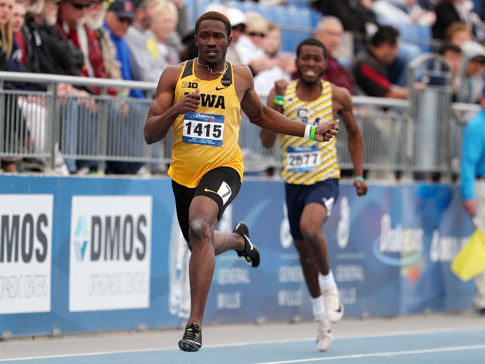 Iowa's Karayme Bartley runs the men's 200 meter dash event during the second day of the Drake Relays at Drake Stadium in Des Moines on Friday, Apr. 26, 2019. (Stephen Mally/hawkeyesports.com)