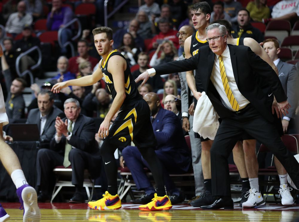 Iowa Hawkeyes guard Jordan Bohannon (3) against the Northern Iowa Panthers in the Hy-Vee Classic Saturday, December 15, 2018 at Wells Fargo Arena in Des Moines. (Brian Ray/hawkeyesports.com)