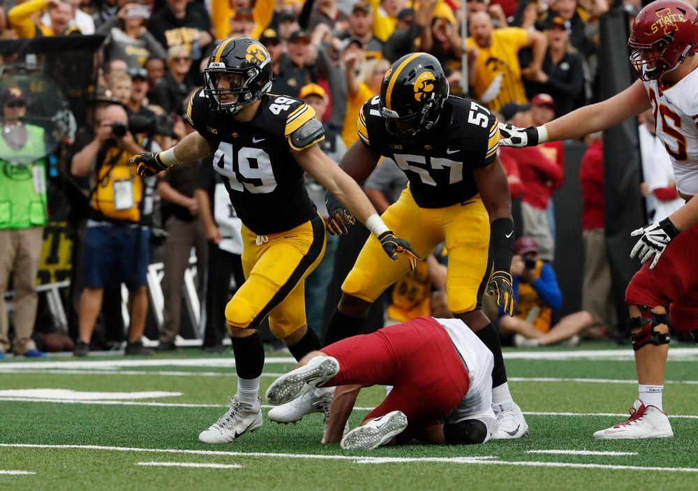 Iowa Hawkeyes linebacker Nick Niemann (49) celebrates after sacking Iowa State Cyclones quarterback Kyle Kempt (17) Saturday, September 8, 2018 at Kinnick Stadium. (Brian Ray/hawkeyesports.com)