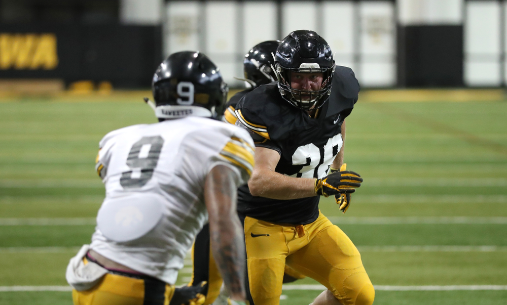 Iowa Hawkeyes fullback Brady Ross (36)
