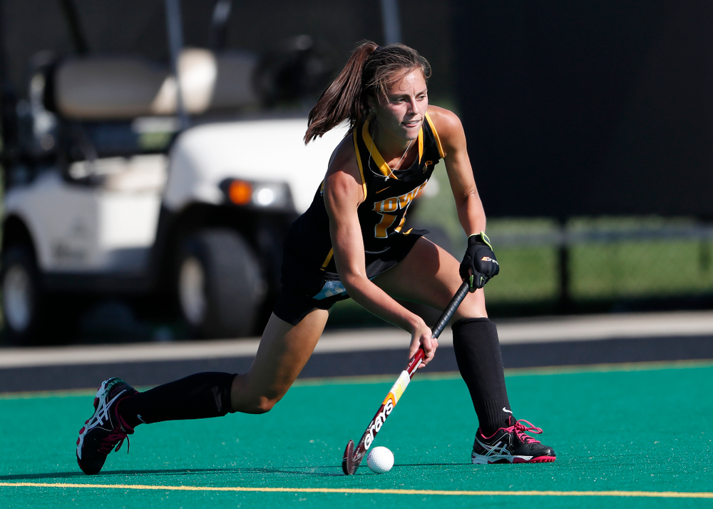 Iowa Hawkeyes Isabella Brown (10) against the Penn Quakers Friday, September 14, 2018 at Grant Field. (Brian Ray/hawkeyesports.com)