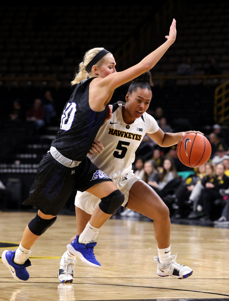 Iowa Hawkeyes guard Alexis Sevillian (5) against Dakota Wesleyan University Tuesday, November 6, 2018 at Carver-Hawkeye Arena. (Brian Ray/hawkeyesports.com)